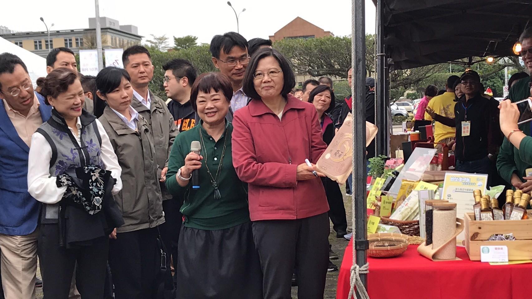 白米36年銷量砍半 蔡英文力挺台灣米:每天都要有一餐吃到米